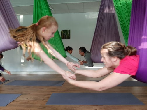Ouder – kind workshop Aerial Yoga