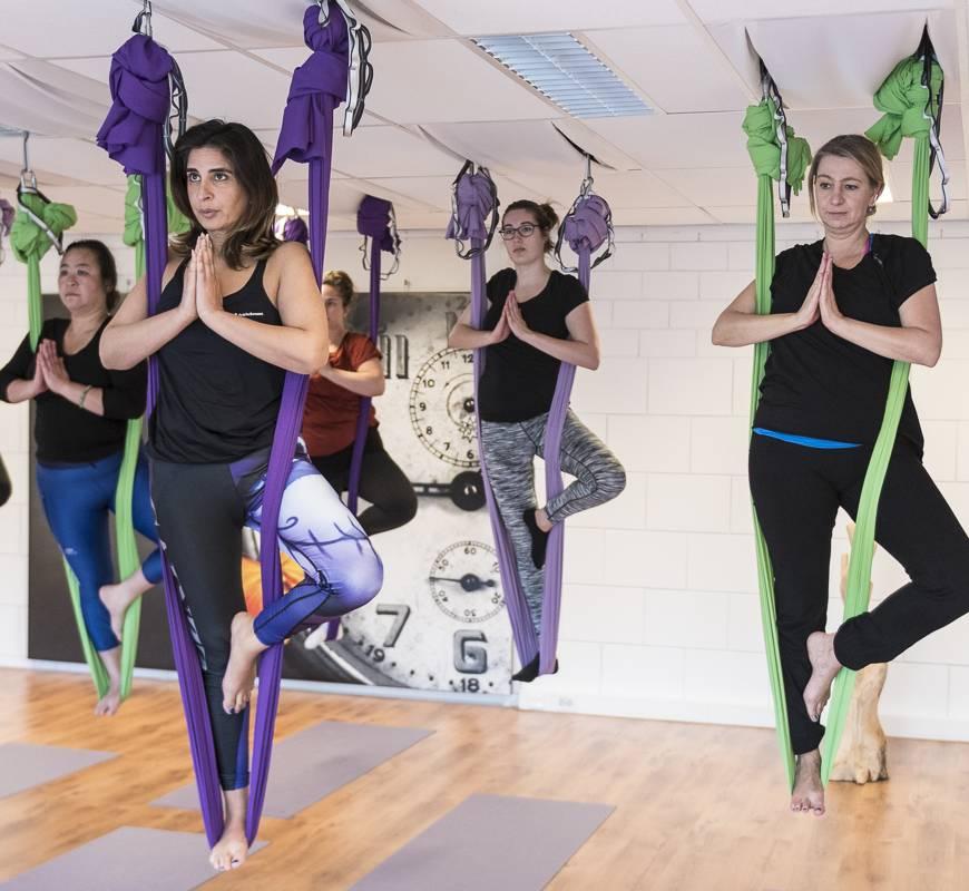 Restorative Aerial Yoga op woensdagavond