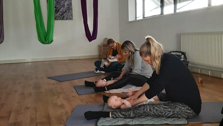 Cursus Babymassage met Baby yoga