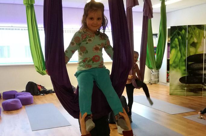 Ouder – kind workshop Aerial Yoga